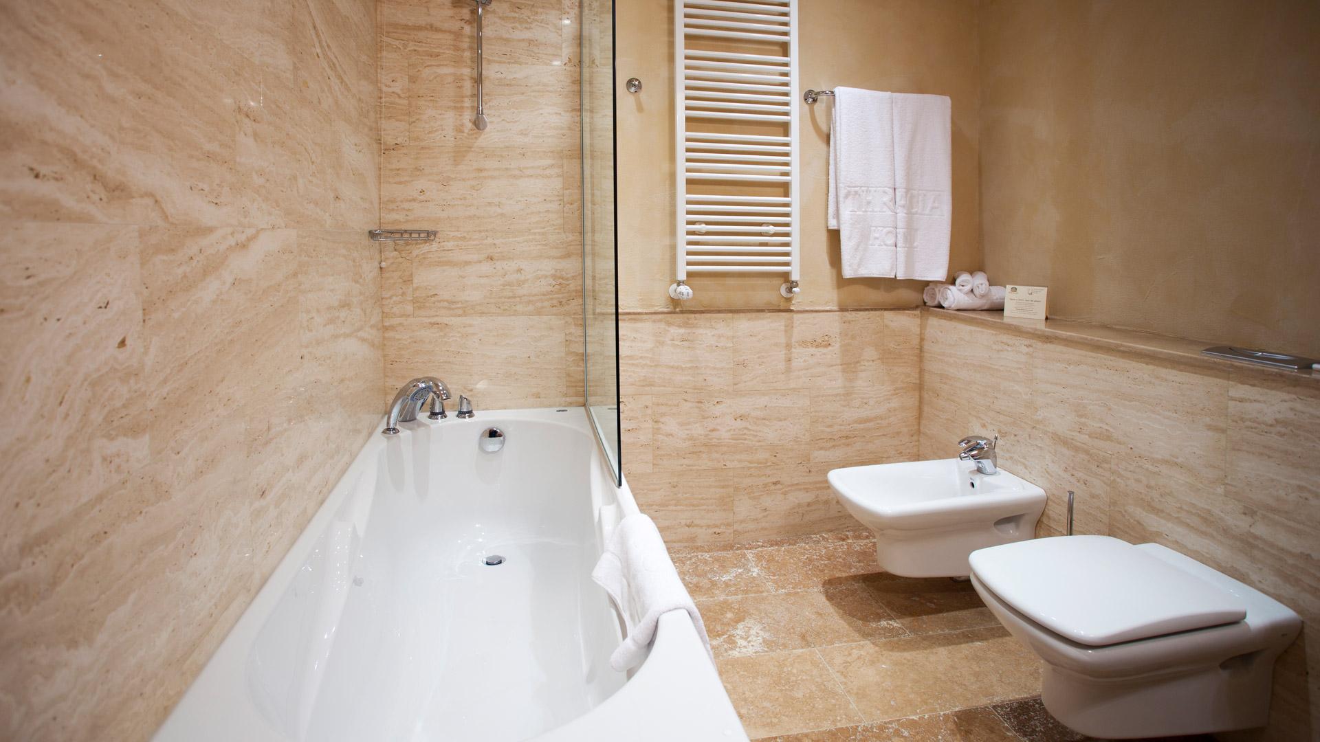 Rosslyn Thracia hotel