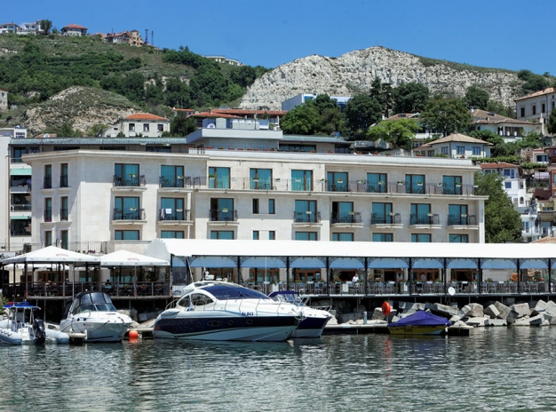 Early Booking 2021 - 7 nights, 4 games - Beachfront Hotel Mistral, Balchik