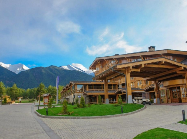 Weekend at Pirin Golf & Country Club Apartment Complex 4*