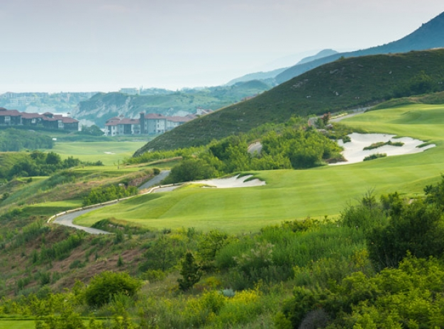 7 nights at Thracian Cliffs & 3 Rounds at The Signature Course