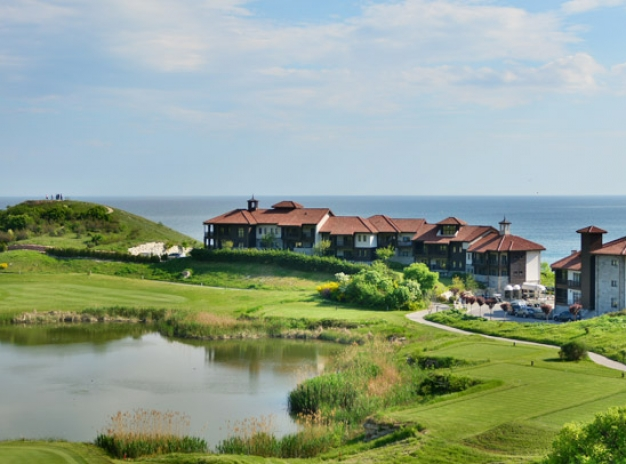 7 nights at Thracian Cliffs & Golf at All 3 Cape Kaliakra Courses